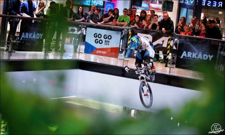 Hannes' 2016 Season: Down-Mall to BMX to 4x