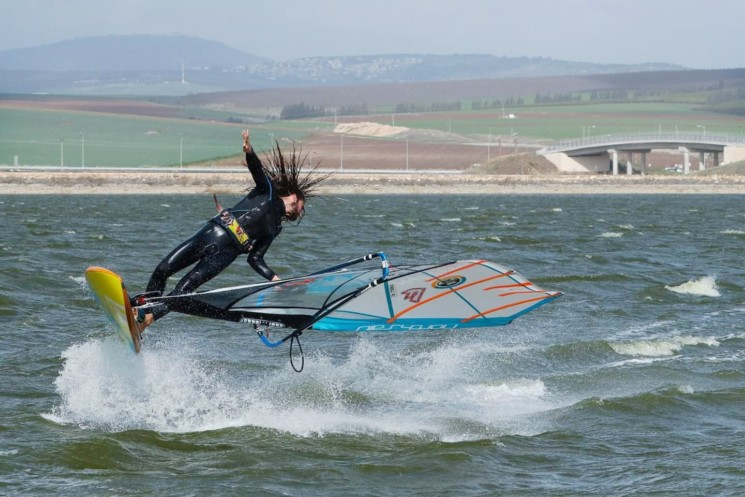 Freestyle Windsurfing With SOURCE Hydration