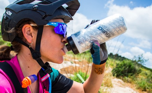 Hydration Myths: How To (Not) Hydrate